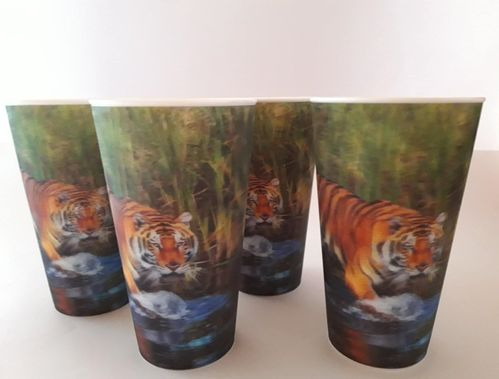 4 Becher, Tiger